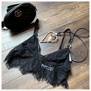 Tops - Black lace brallette